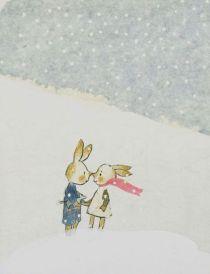 """Flonflon et Musette - Elzbieta - L'Ecole des Loisirs - 1993. L'album raconte une histoire de guerre qui déchire un peuple de lapins. Et pour adoucir un ordre du monde si peu humaniste, Elzbieta offre la création d'un monde complémentaire, celui des rêveries et de l'imaginaire . La haie d'épine symbolise la guerre, la douleur, les barbelés qui séparent. Mise en mot puis en image, la haie d'épine fait écho au savoir enfantin. C'est un appel au sens de l'enfant bien plus puissant et poétique qu'un langage direct. Aborder des thèmes graves avec les enfants, c'est ainsi reconnaître leur capacité de penser ces sujets, de les respecter et leur donner « des outils qui permettent, un tout petit peu, de penser l'impensable, plutôt que de le fantasmer », ainsi que l'explique Elzbieta dans son livre """"L'Enfance de l'Art"""" publié en 2005 aux éditions du Rouergue."""