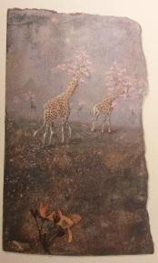 """Les élégantes girafes de Magasin ZinZin me rappellent d'autres girafes, celles dont Jacques Prévert raconte l'histoire dans """"l'Opéra des girafes"""" des """"Contes pour enfants pas sages"""": """"Comme les girafes sont muettes, la chanson reste enfermée dans leur tête. C'est en regardant attentivement les girafes que l'on peut voir si elles chantent faux ou si elles chantent vrai..."""" L'opéra des girafes a été mis en musique par Jacques et Renée Mayoud"""